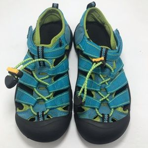 Keen youth sandals size 3